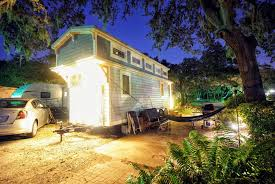 how to install outdoor landscape lighting on a tiny home u2014 tiffany