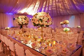 decoration de mariage et blanc décorations de table de mariage somptueuses