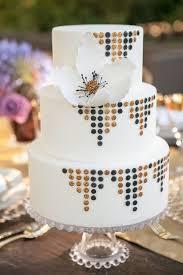 deco wedding 20 deliciously decadent deco wedding cakes chic vintage brides
