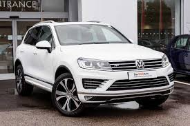 volkswagen touareg black find a used white vw touareg diesel estate 3 0 v6 tdi bluemotion