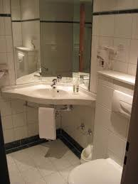 badezimmer braunschweig badezimmer mit eckwaschbecken mercure hotel atrium braunschweig