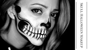 Skeleton Halloween Makeup by