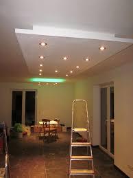 Wandgestaltung Wohnzimmer Mit Beleuchtung Indirekte Beleuchtung Wohnzimmer Decke Le Leuchten 1 Pinterest