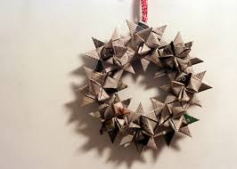 fru cool recycled christmas wreath linaloo
