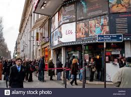 bureau poste 75008 cinema theater outdoors gaumont theatre