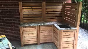 comment construire une cuisine exterieure cuisine extérieur avec lavabo