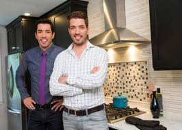 hgtv property brothers property brothers jonathan and drew scott sign multi year deal with