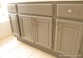 Oak Bathroom Cabinets by Best 25 Paint Bathroom Cabinets Ideas On Pinterest Painted