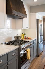 Range Hood Ideas Kitchen by The Ivy U0027s Renovated Kitchen Has New Hardwood Floors Colorful