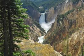opening closing dates yellowstone national park lodges