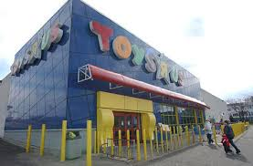 toys r us to open for 30 hours thanksgiving