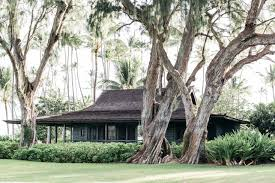 a vintage hawaiian cottage restored with its own instagram