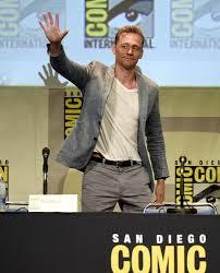 Tom Hiddleston Memes - tom hiddleston memes about him dating elizabeth olsen show