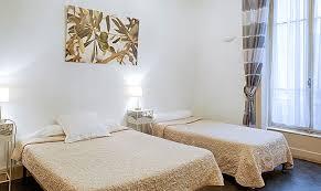 hotel lyon chambre 4 personnes chambres conforts avec deux lits pas cher à lyon hôtel au
