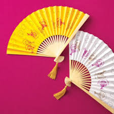 custom fans the busy girl s guide to diy custom fans brides