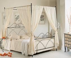 baldacchino per lettino tenda letto baldacchino dalani tende di lusso un casa tr s chic