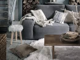 canapé style chalet decoration montagne chic top chambre de chalet chambre deco bois