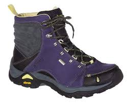 womens boots best 10 of the best s hiking boots coolhikinggear com