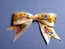 sided ribbon tying one sided ribbon into a bow i never could figure this out on