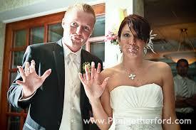 wedding cake cutting cake cutting wedding how to cut wedding cake smash in