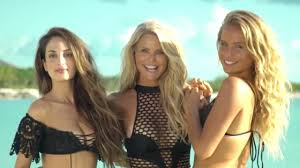 christie brinkley looks like she u0027s barely aged a day 38 years