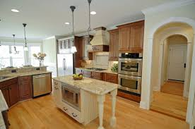 what color floor goes with light oak cabinets what color laminate flooring with oak cabinets laminate