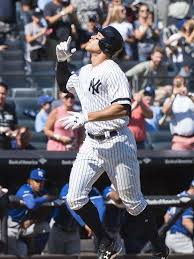 Aaron Judge Breaks Mlb Rookie Record With 50th Home Run Rolling Stone - yankees aaron judge breaks mark mcgwire s rookie home run record