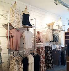 boutique clothing 39 diy retail display ideas from clothing racks to signage