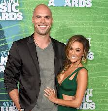 jana kramer thanks fans for support after separating from husband