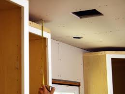 Install Crown Molding On Kitchen Cabinets Cherry Cabinets Black Molding Black Crown Molding Kitchens In