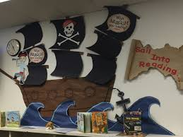 Pirate Themed Home Decor by 47 Best Pirate Ornaments Images On Pinterest Pirates Glass