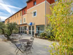 siege social lacoste hotel in apt ibis budget apt luberon