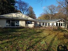 houses with 4 bedrooms delavan wi homes with walk out basement for sale u2022 realty