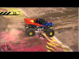 youtube monster trucks jam superman freestyle monster jam world finals xiv youtube adi s