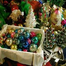 Vintage Christmas Decorations Tips On Collecting Vintage Christmas Decorations How To Collect