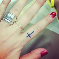 what does a cross on your ring finger 1000
