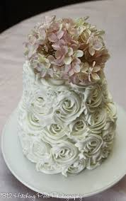 wedding cake icing two tier wedding cakes