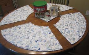 Placemats For Round Table Merry Go Round Placemats For The Quaintest Table Setting