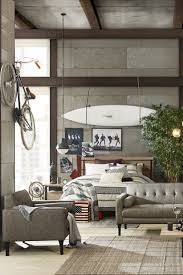 How To Decorate Apartment Walls by How To Decorate A Bachelor U0027s Apartment Overstock Com
