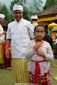 at the thanksgiving ceremony picture pura taman ayun temple bali