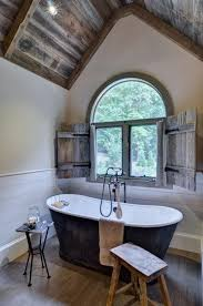 barn bathroom ideas barn house decor best 25 barn bathroom ideas on rustic