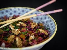 cuisiner choucroute crue salade de choucroute crue chou carottes raisins secs et
