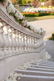Banisters Flowers 9 Ways Flowers Can Enhance Your Wedding Decor Desiree Hartsock