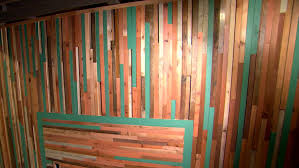 building a recycled wood wall diy
