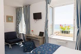 chambre des m騁iers ile de chambres vue mer hotel à audierne dans le finistere bretagne