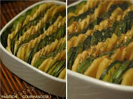 cuisiner des courgettes au four pommes de terre et courgettes serrées comme des sardines pour un
