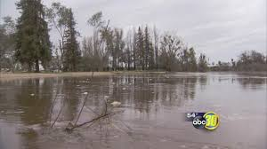 Wildfire Under King S Landing by Reedley Rv Park Evacuated As Kings River Rises Abc30 Com