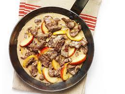 comment cuisiner le cerf 20 minutes emincé de cerf à la sauce aux pommes