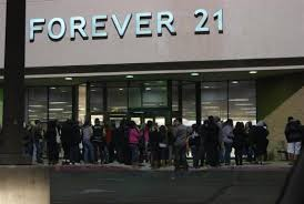 forever 21 black friday first midnight madness black friday success for mall of victor