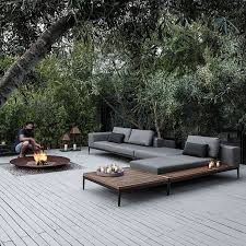 Outdoor Sofa With Chaise Best 25 Contemporary Outdoor Sofas Ideas On Pinterest